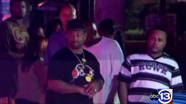 3 killed, 3 injured in night club shooting