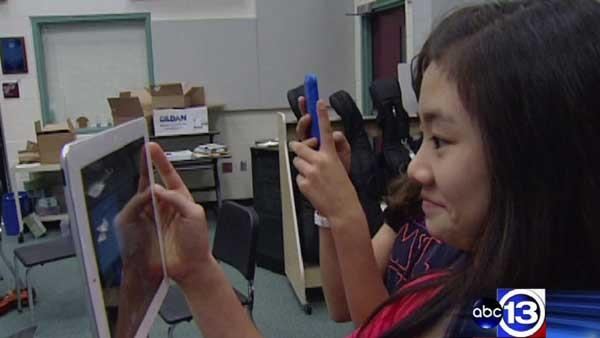 Schools incorporating smart devices in classrooms