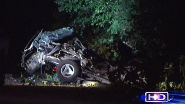 Driver loses control, slams into trees