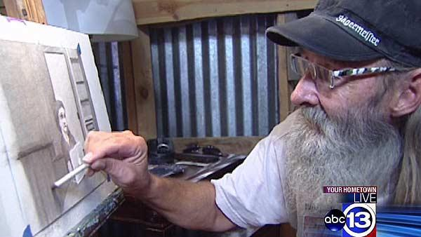 Homeless help themselves through art