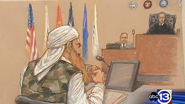 9/11 'mastermind' in camouflage for Gitmo court