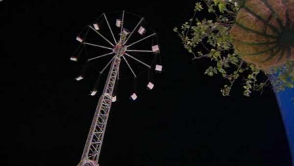 Crews rescue 24 people stuck on fair ride