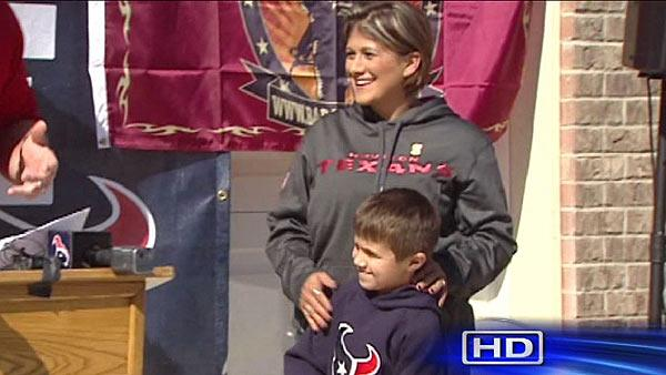 Widow, son get new home from Houston Texans