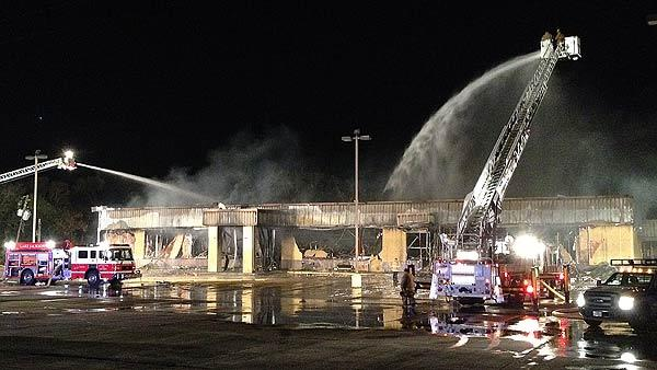 Fire strikes Lake Jackson bowling alley