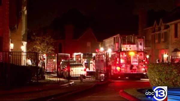 Arson investigating overnight fires at apartment complex