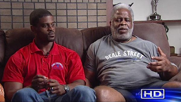 Earl Campbell, son have something in common