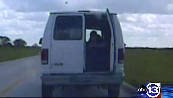 New video revealed of shootout at trial of suspect