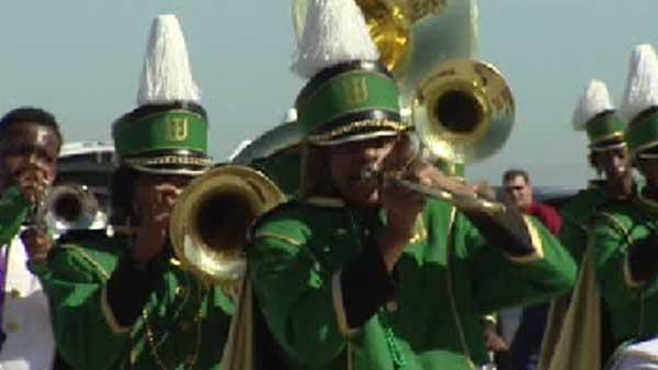 Mardi Gras takes over Galveston Island