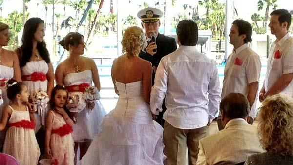 Couple receives dream wedding after cruise crisis