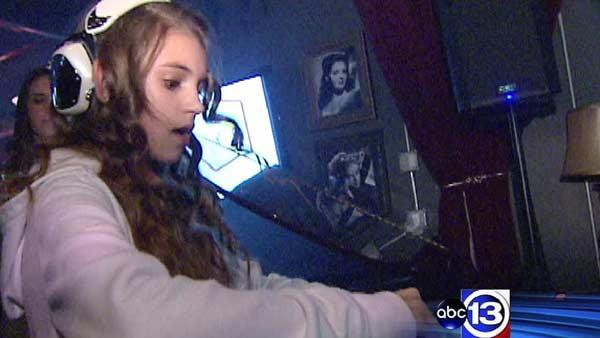 Houston girl, 12, finds fame with DJ skills