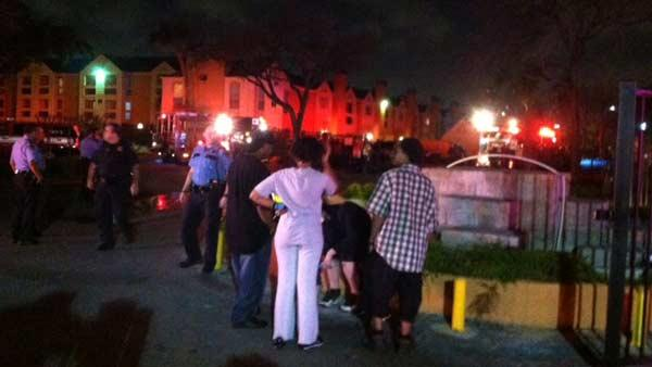 Firefighters battle 2-alarm blaze in west Houston