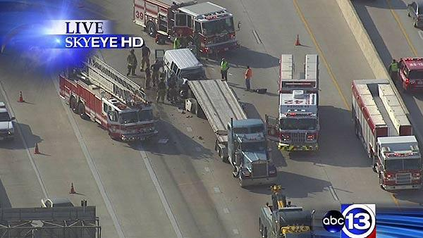 Big rig wreck on North Loop