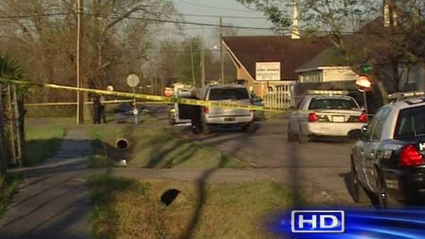 Man Found Shot To Death In Middle Of Street In Houston39s