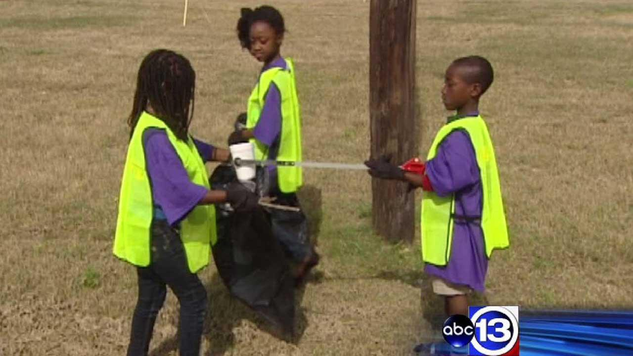 Dozens of volunteers from around the city picked up trash Saturday morning in the South Union area as part of the Great American Cleanup.