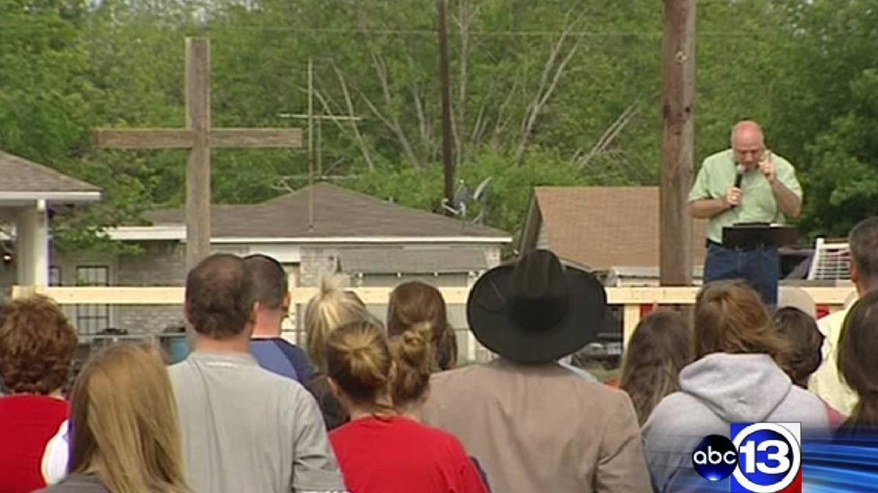 Prayer and waiting in West, Texas after fertilizer plant blast