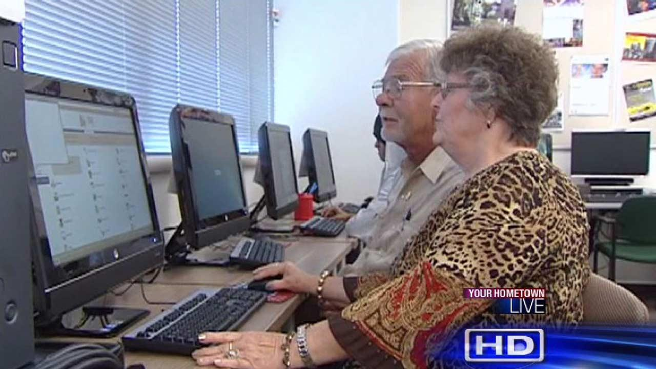 Retired Houston couple goes back to college to finish degrees