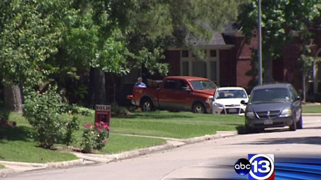 Teen injured after homemade bomb detonates in Kingwood neighborhood