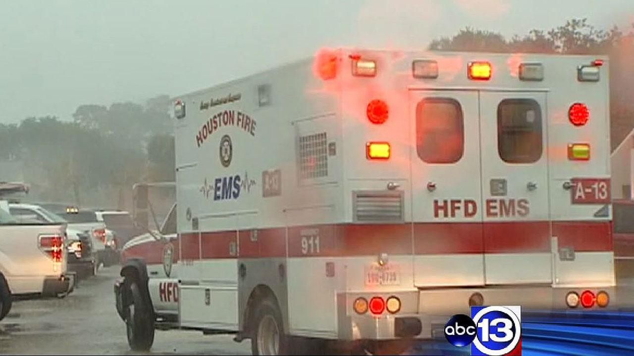Man struck by lightning in NW Harris Co.