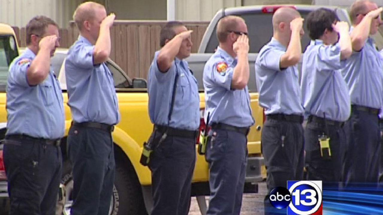 Houstonians pray as firefighters mourn fallen comrades killed in motel blaze