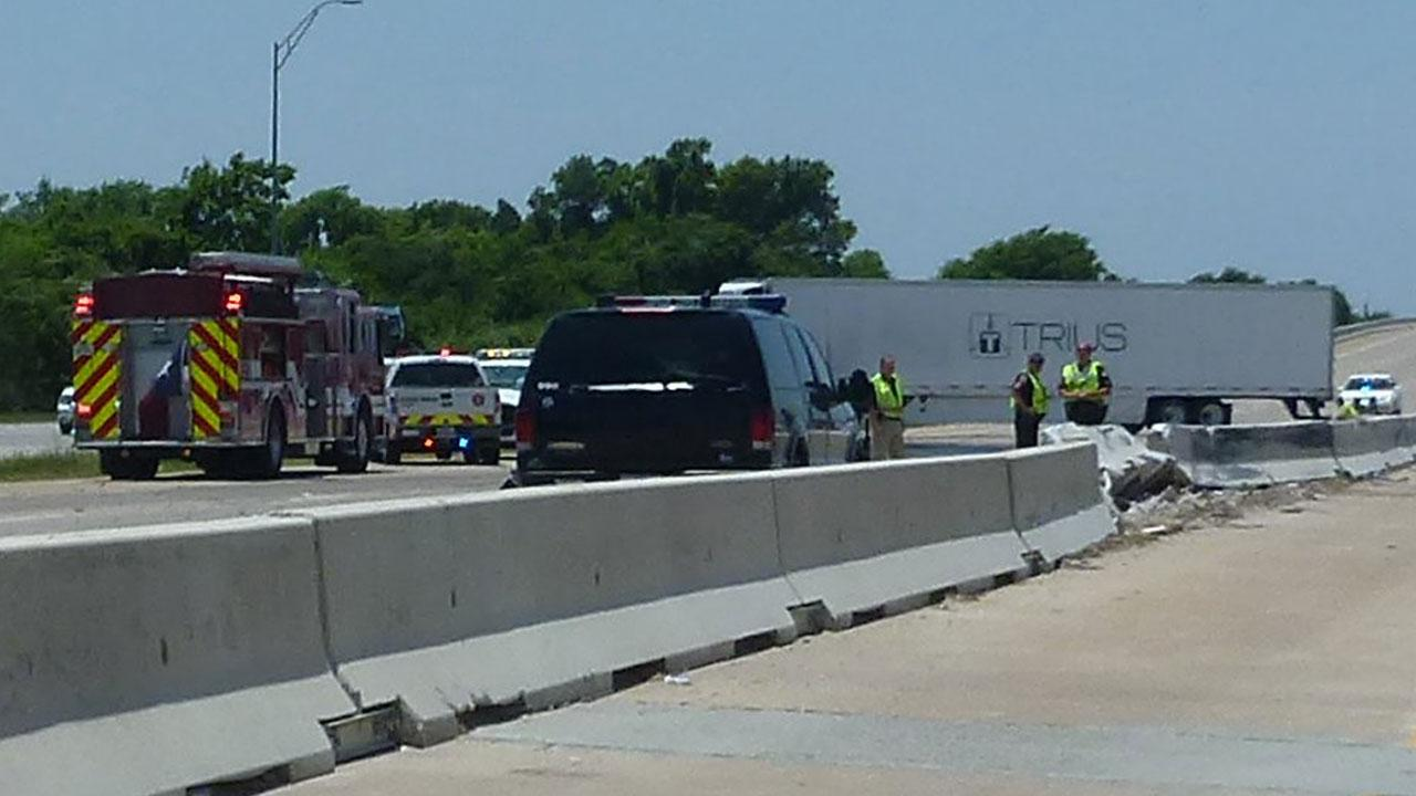This 18-wheeler accident had a portion of Highway 290 blocked Saturday afternoon. This photo was submitted by an ABC13 viewer through our iWitness Reports. If you see news happening and can safely snap a photo or video, send it to news@abc13.com.