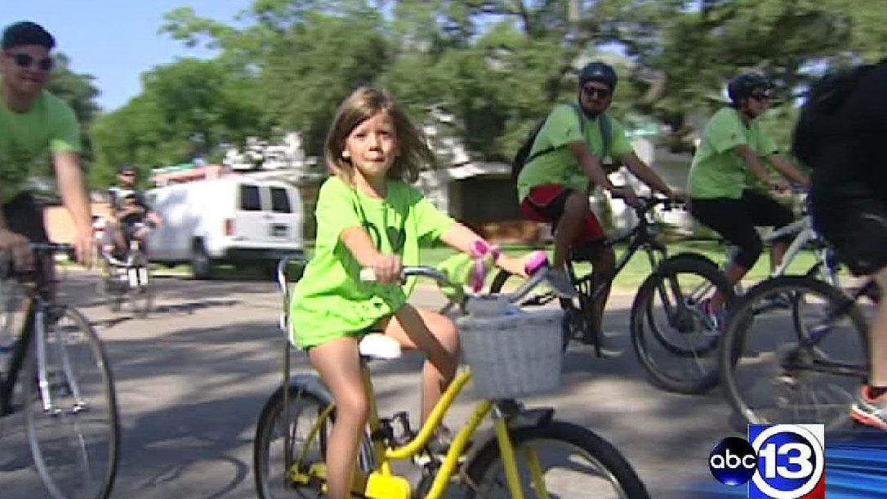 Oak Forest community in northwest Houston unites for 'Le Tour de Oak Forest' bike ride