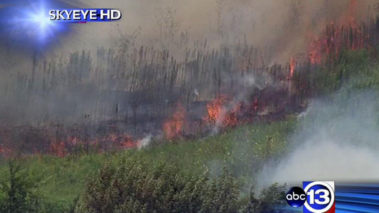 SkyEye13 HD was over a grass fire Monday in west Harris County