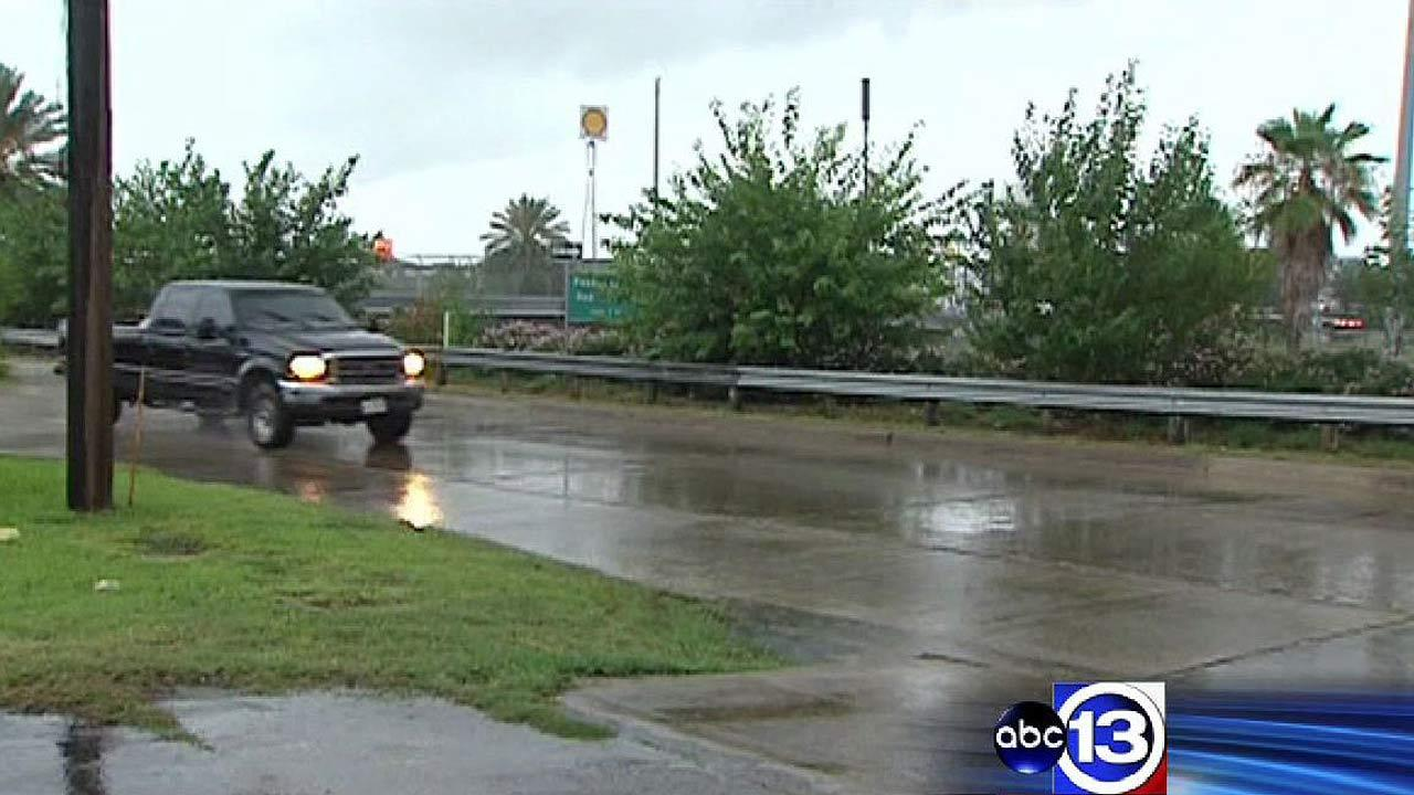 Rain brings wet roads for drivers