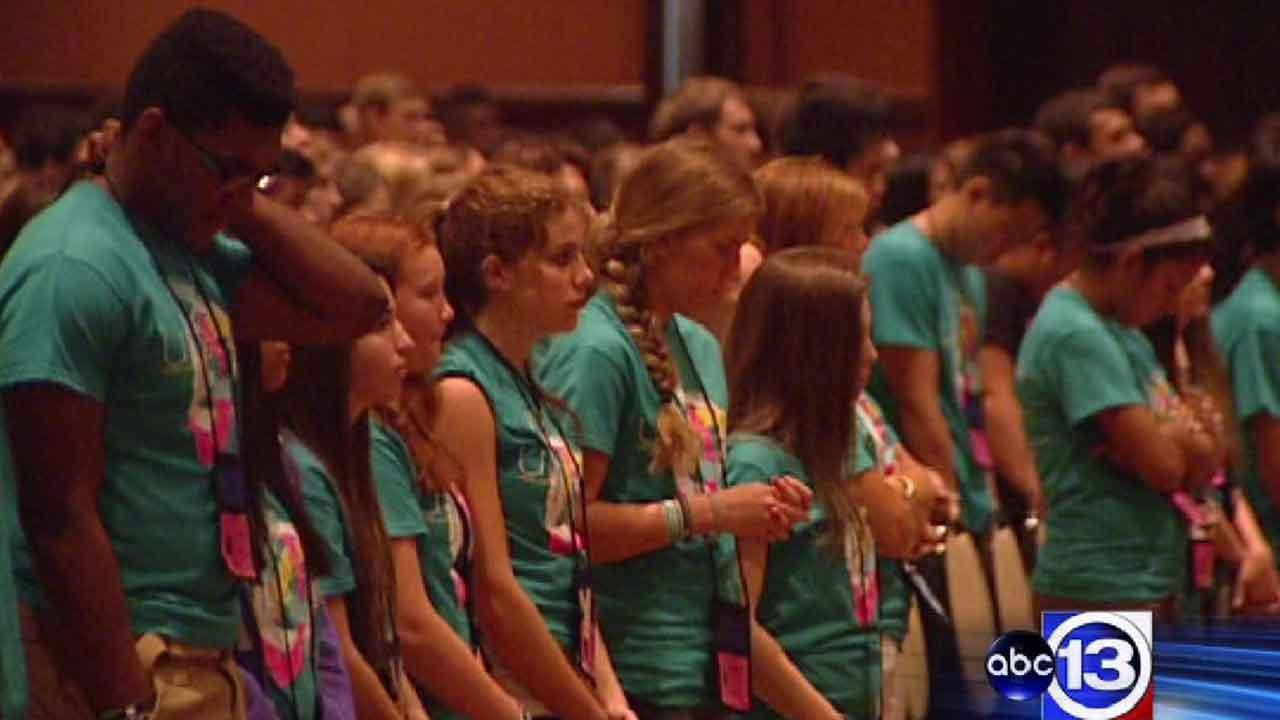 Catholic leaders meet with teens to discuss faith, life at Archdiocesan Youth Conference in Houston