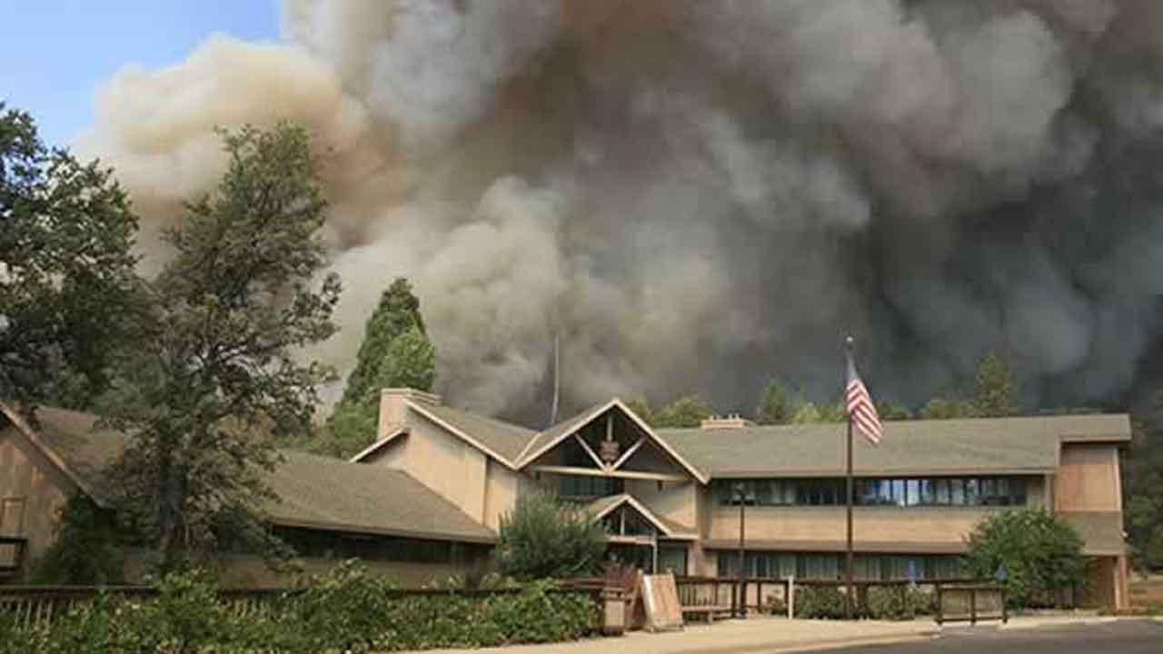 Rim Fire burns near Groveland Ranger Station in Groveland, Calif. (AP Photo/U.S. Forest Service)