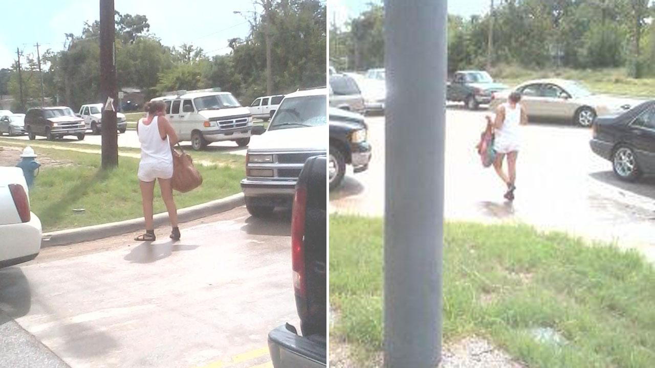 Alleged purse snatching suspect seen leaving the scene of a crash in north Houston