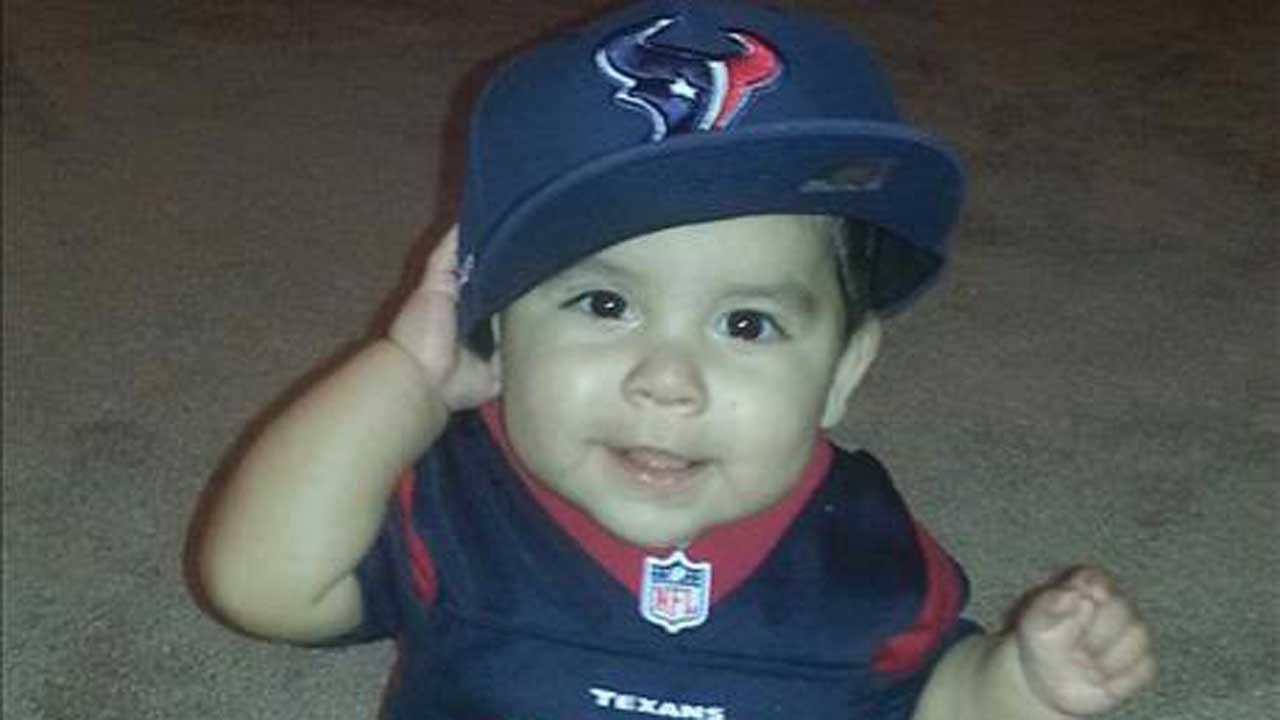 These are Texans fan photos youve been sending us. You can send your photos to be added at news@abc13.com <span class=meta>(iWitness Reports)</span>