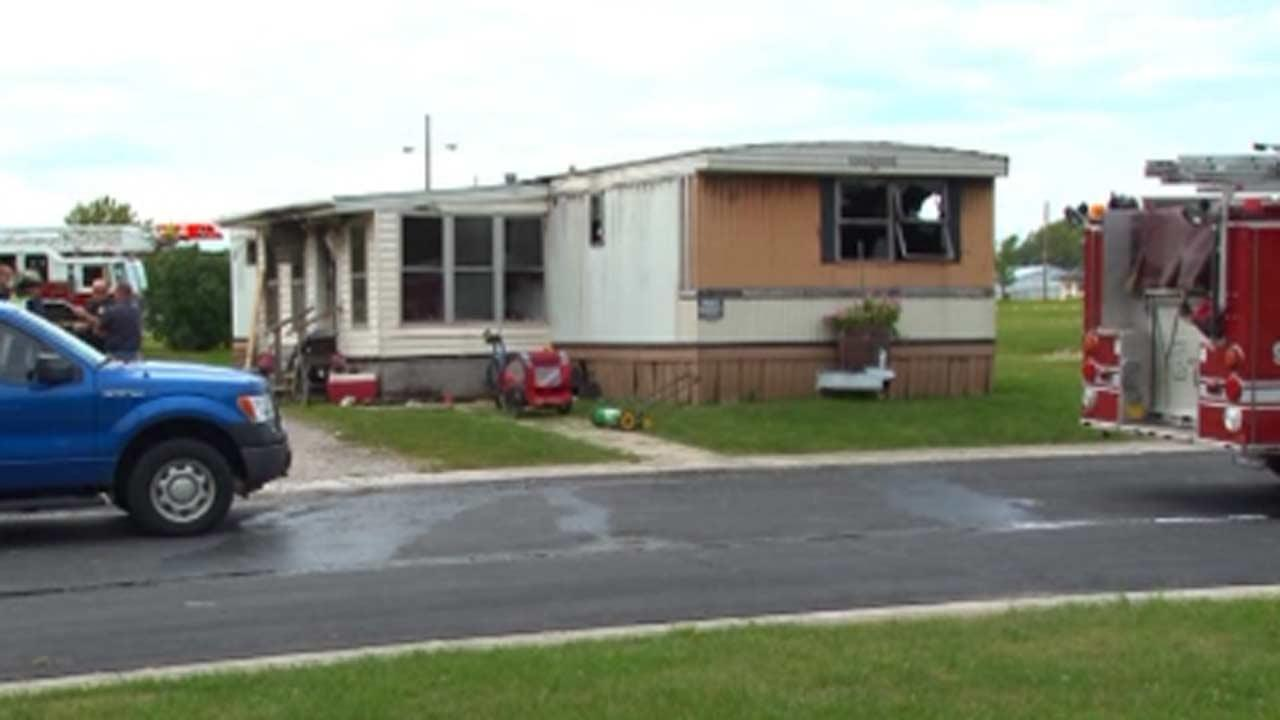 Trailer fire in Ohio kills 6 while mom is at work