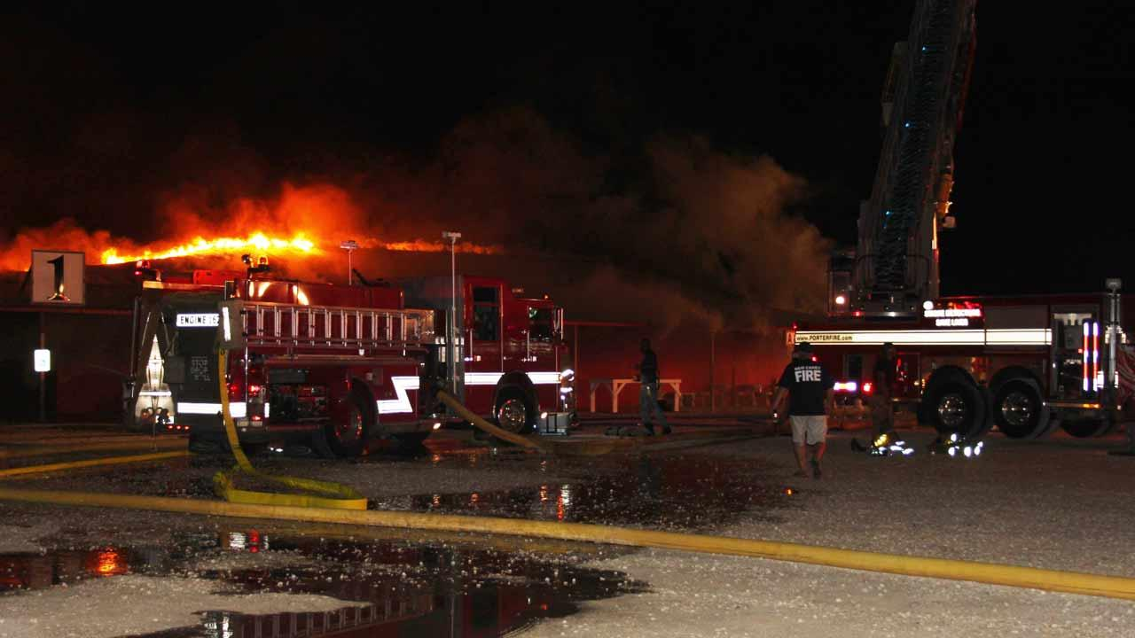 A massive fire has destroyed a popular Liberty County flea market early this morning. <span class=meta>(HCN)</span>