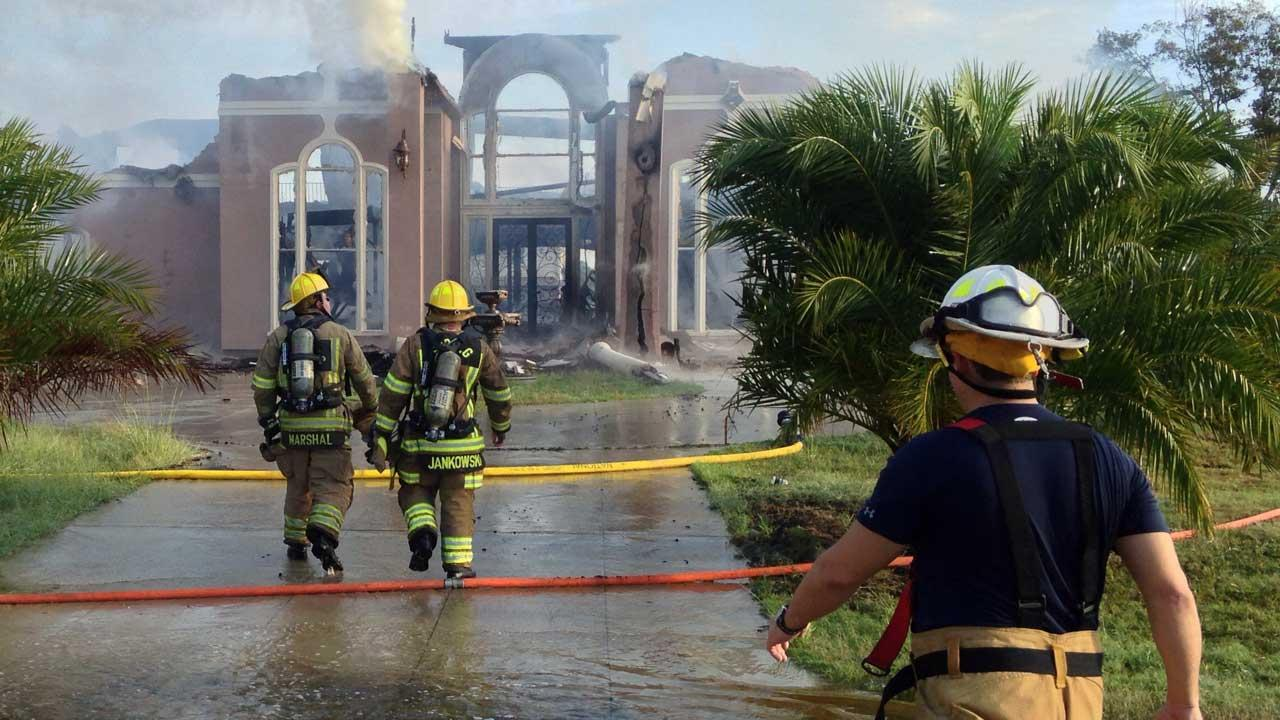 Fire ravages 10,000-square foot home in northeast Harris County