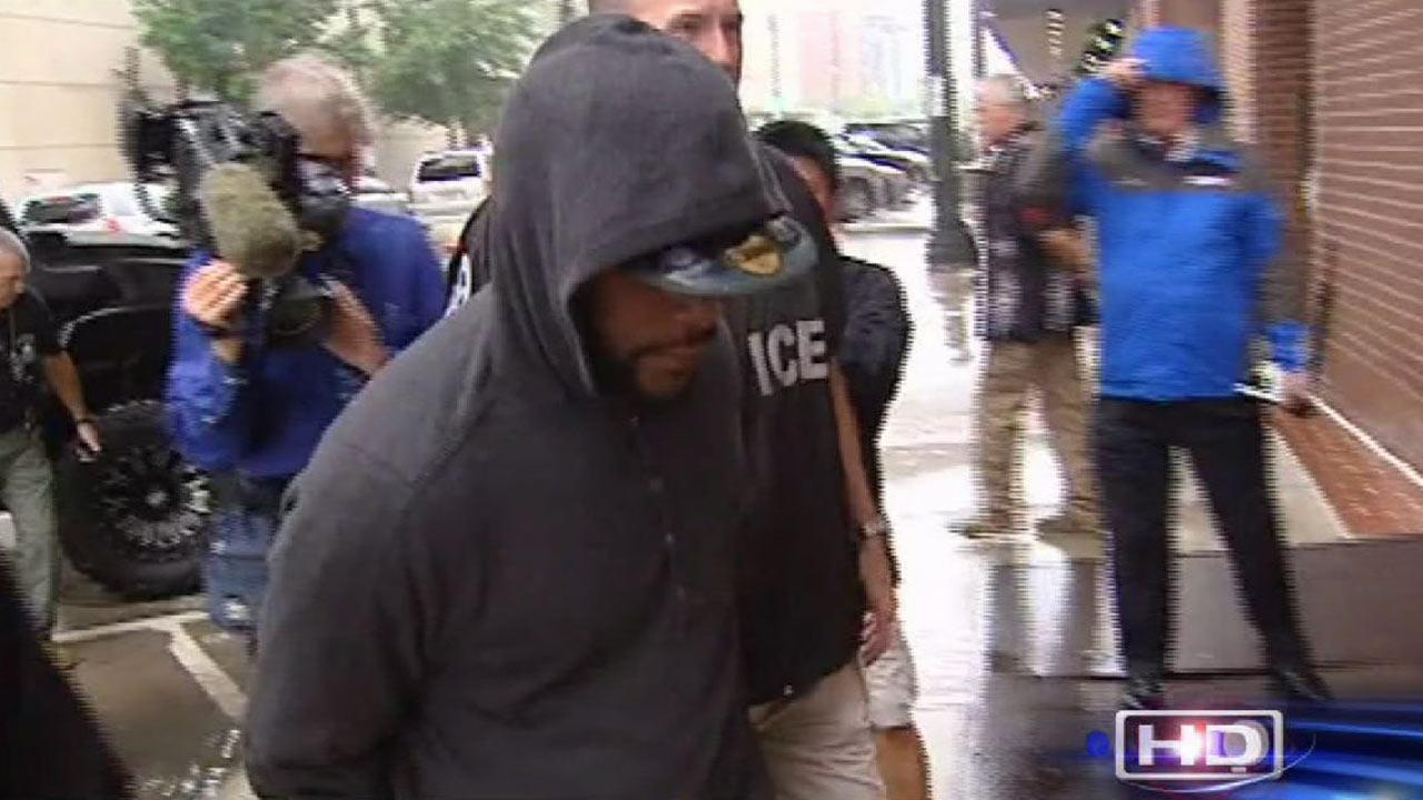 Accused murderer turns himself in to police