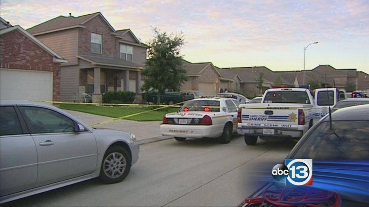 Homeowner opens fire on burglars in SE Harris Co.