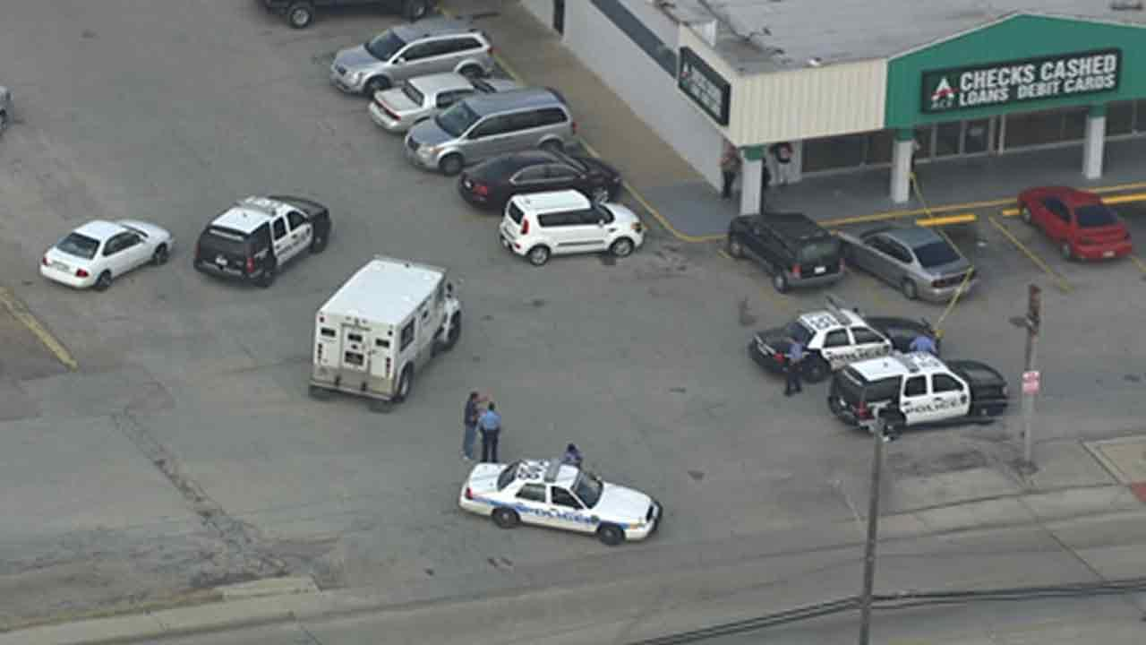 Police search for suspects who shot at armored car in northeast Houston