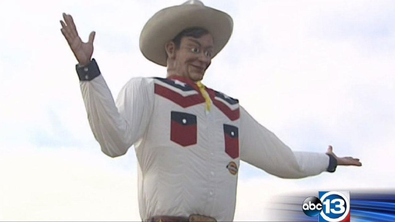 New Big Tex greets state fair attendees