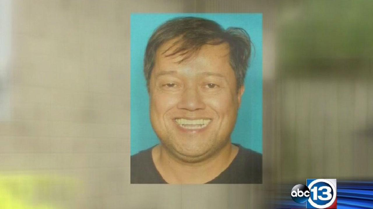 Clues sought in Pearland murder case