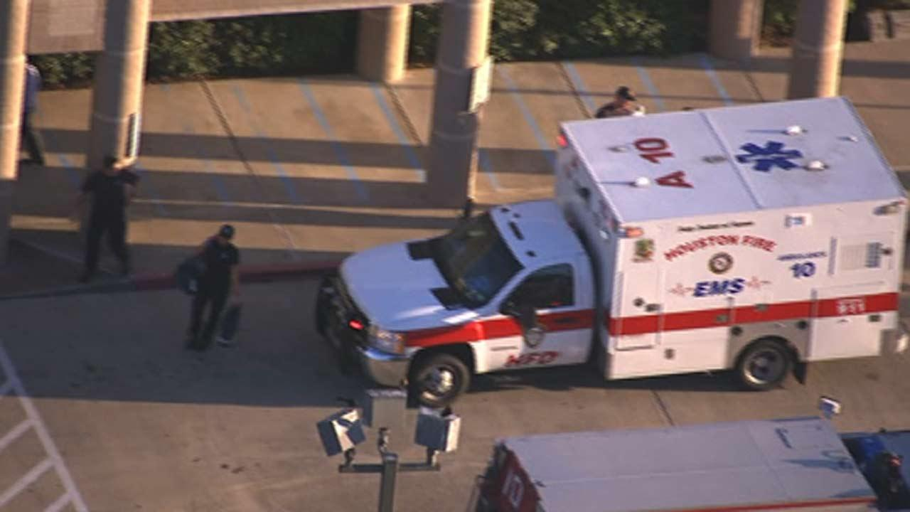 Girl, grandmother hit by car outside SW Houston elementary school