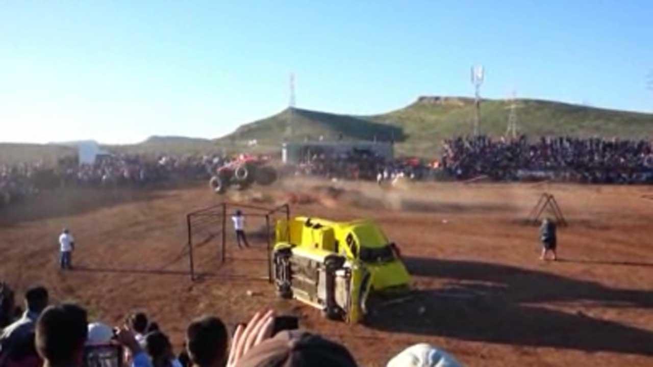 Mexican monster truck wreck kills 8, hurts dozens