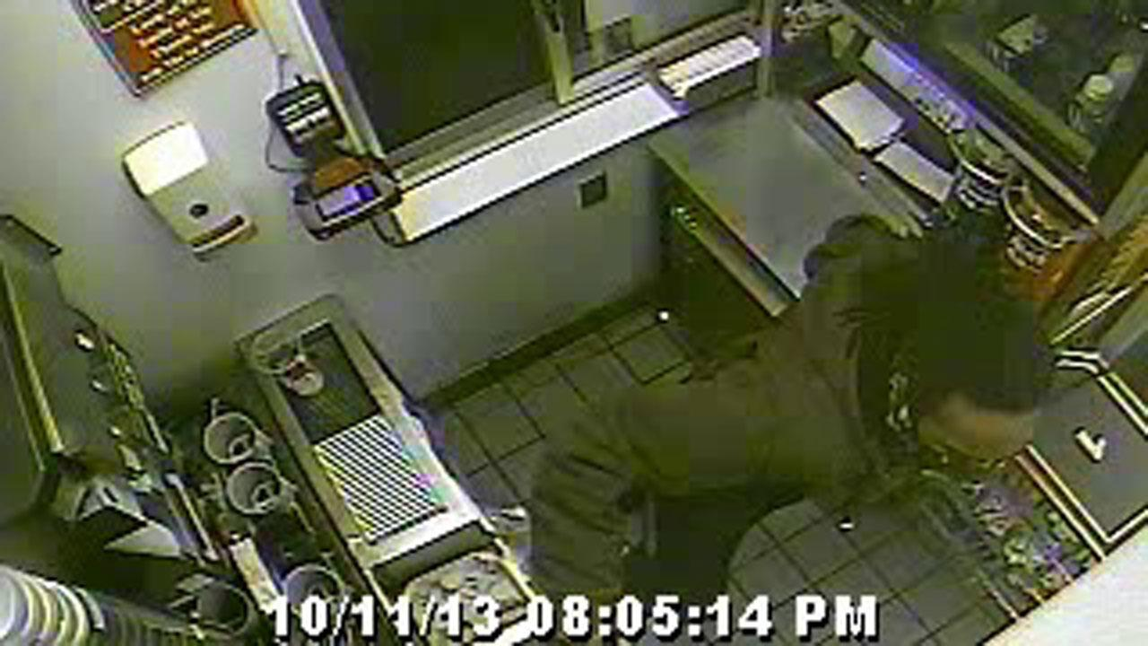 McDonalds robbery in The Woodlands <span class=meta>(MCSO)</span>