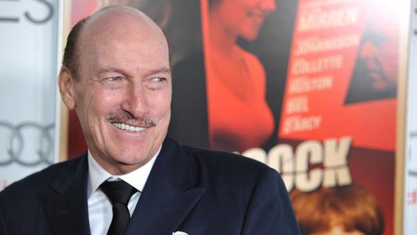 Ed Lauter attends the