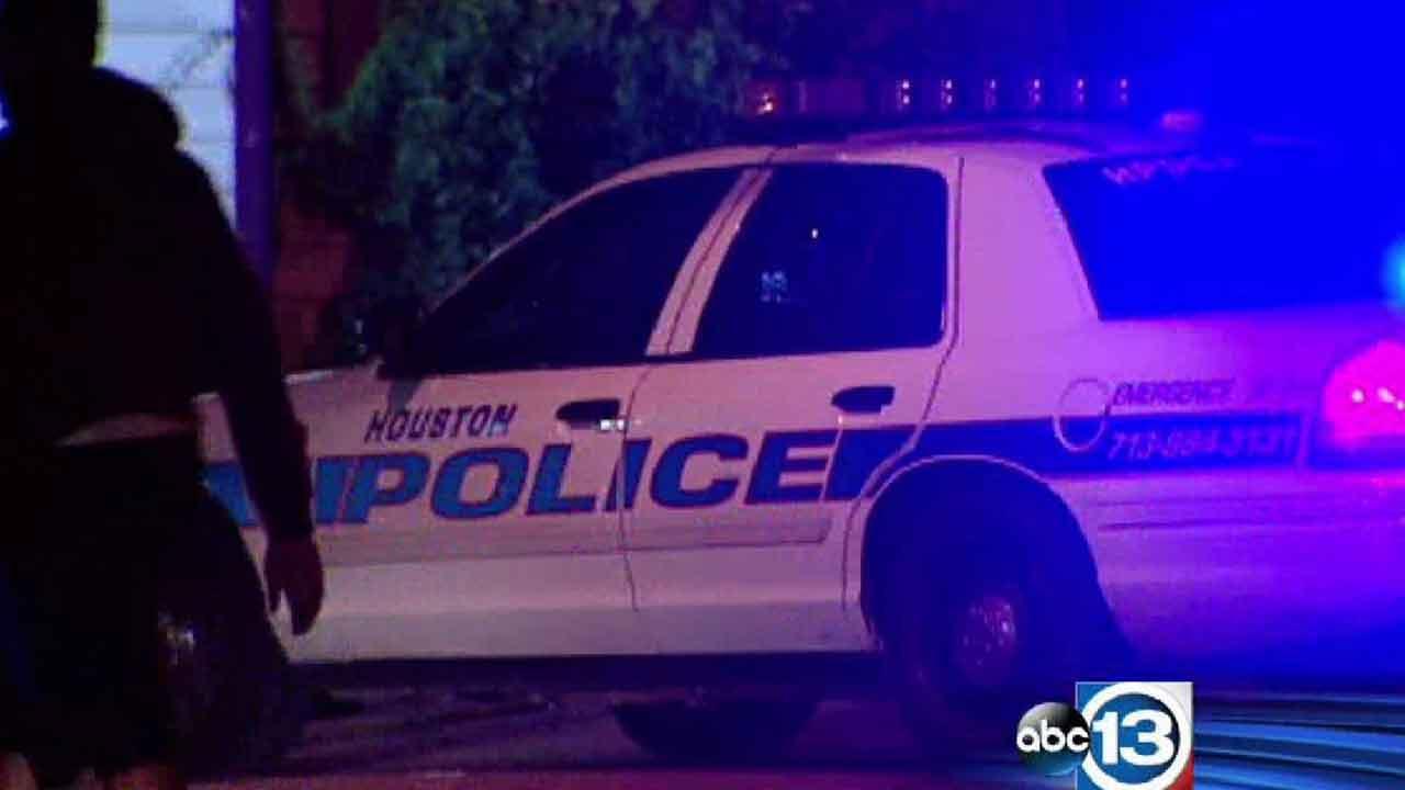 One man shot at southwest Houston house party