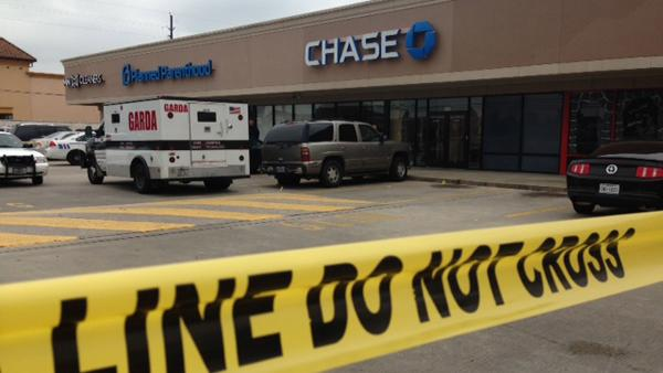 Armored truck targeted in robbery attempt