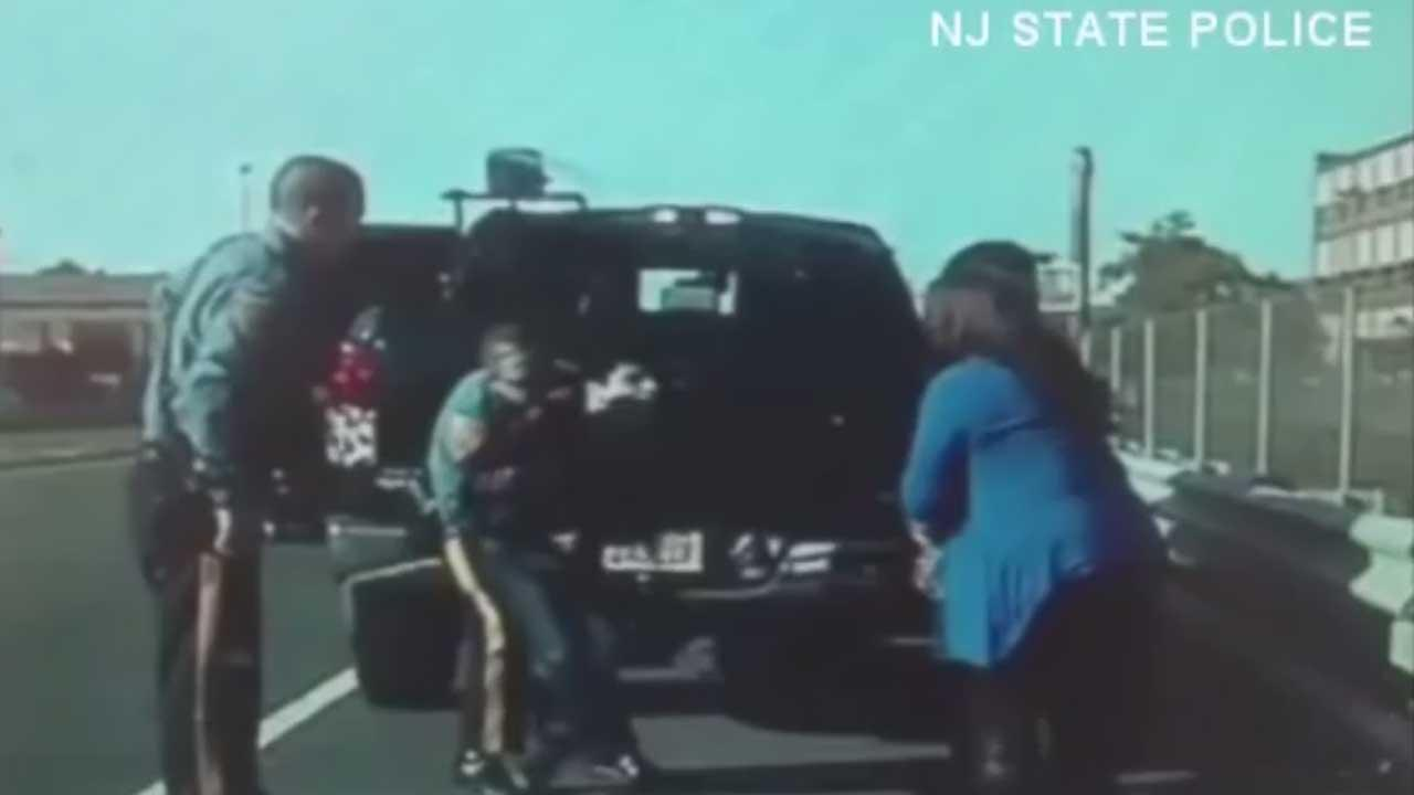 New Jersey state trooper saves choking teen