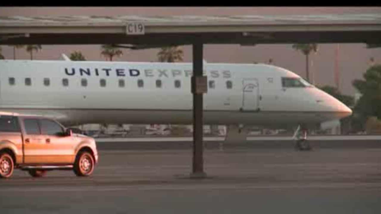 Threat diverts United Express flight to Phoenix