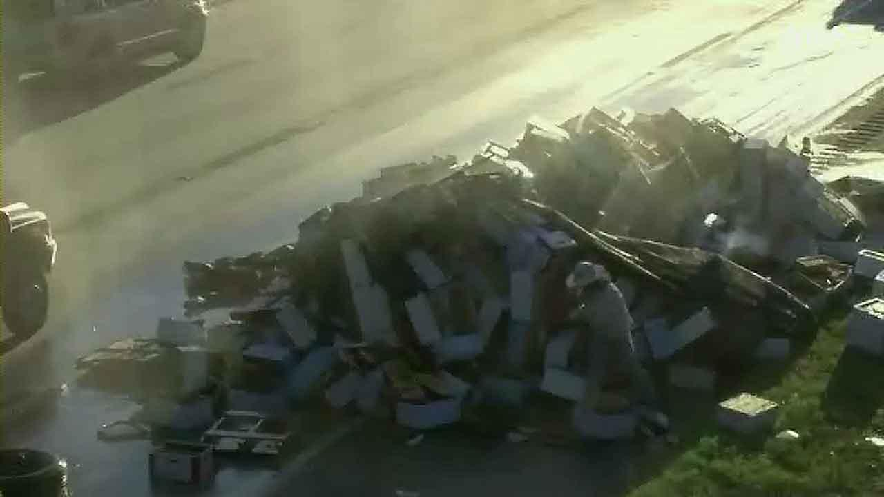 Truck accident spills lots of bees, honey on Georgia highway