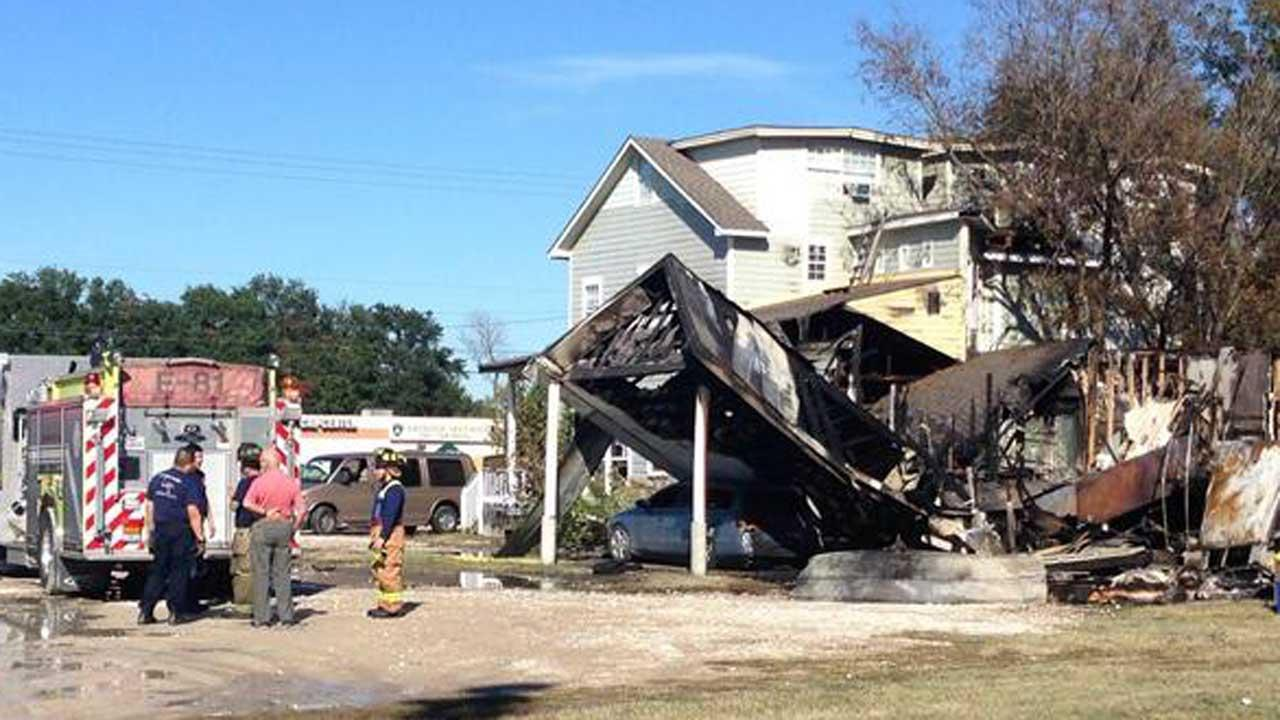 These are photos from the fire that ripped through a pie shop in north Houston Friday morning.