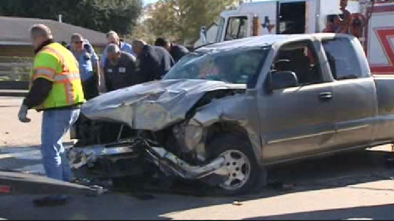 Car wreck injures girl